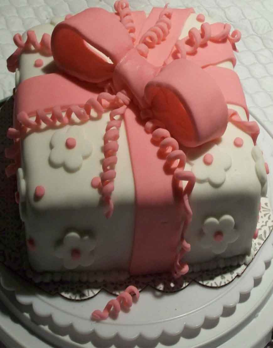 BOX IN LOVE BIRTHDAY CAKE