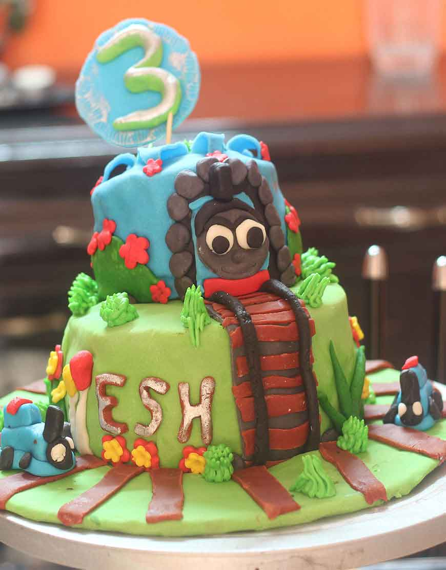 Stupendous Thomas Friends Birthday Cake Delivery In Gurgaon Gurgaonbakers Funny Birthday Cards Online Fluifree Goldxyz