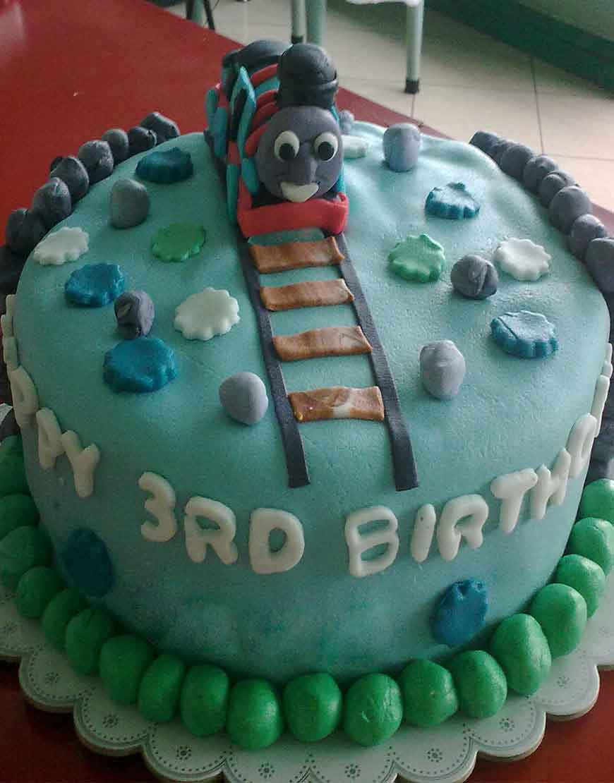 THOMAS TRAIN BIRTHDAY CAKE GURGAON